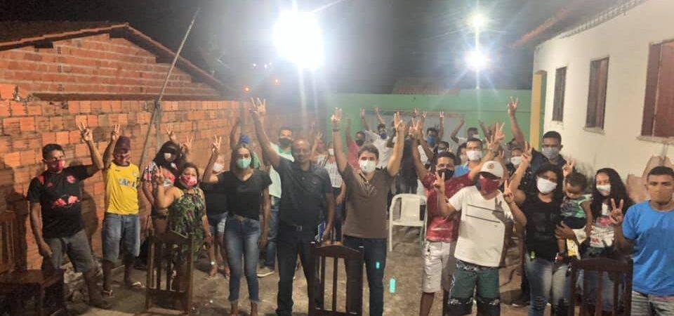 Eleições 2020: Ao lado de Lucas, Bruno Silva participa de reunião política no Bairro Sarney