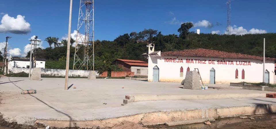 Obras de construção da praça da Igreja Matriz de Afonso Cunha seguem adiantadas