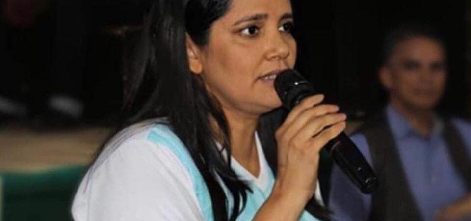 Ex-secretária de Educação de Coelho Neto expõe fissura na base aliada do governo e manda duro recado