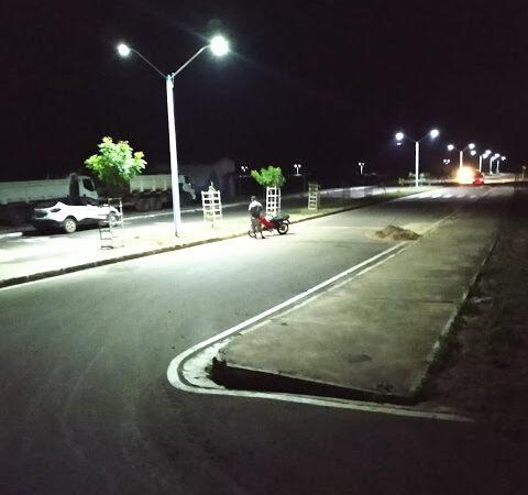 Investimento: Prefeitura de Duque Bacelar implanta iluminação LED no Balneário Santo Inácio
