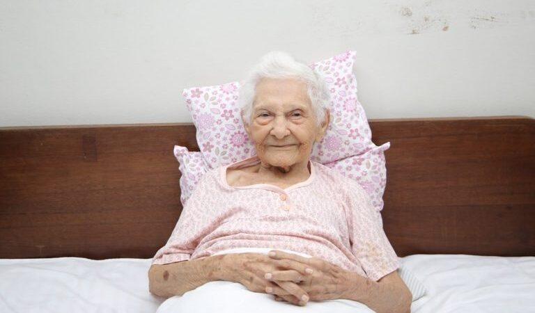 Idosa de 101 anos vence a Covid-19 e recebe alta médica no Maranhão