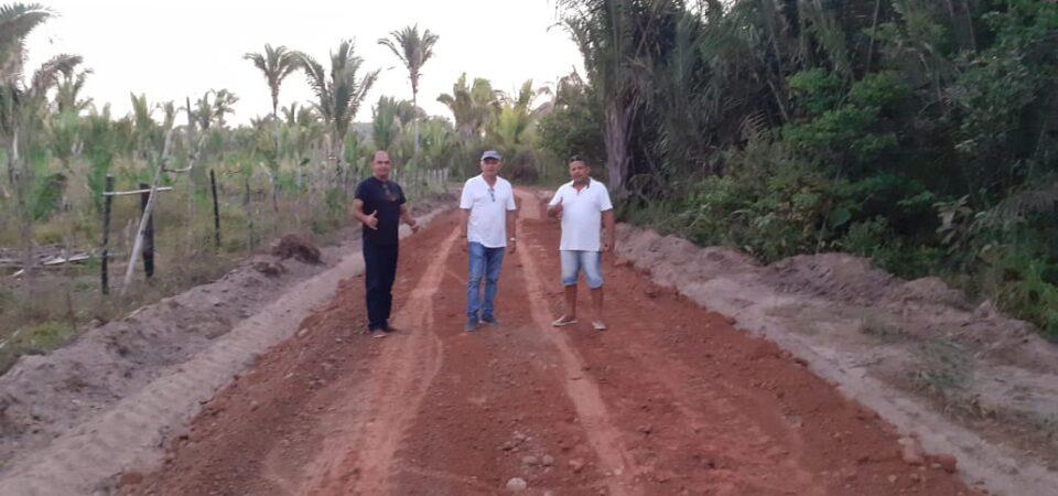 Prefeitura de Duque Bacelar constrói em três dias estrada vicinal que demorou décadas para sair do papel
