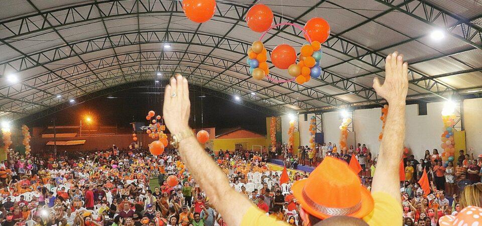 Multidão aclama Dr. Magno Bacelar e Isaías Fortes durante convenção em Chapadinha