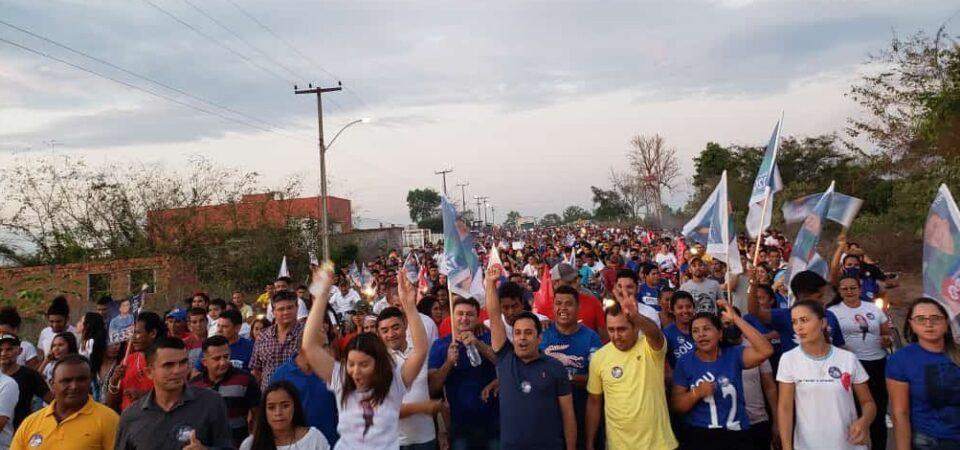 Arquimedes Bacelar arrasta multidão pelas ruas de Afonso Cunha
