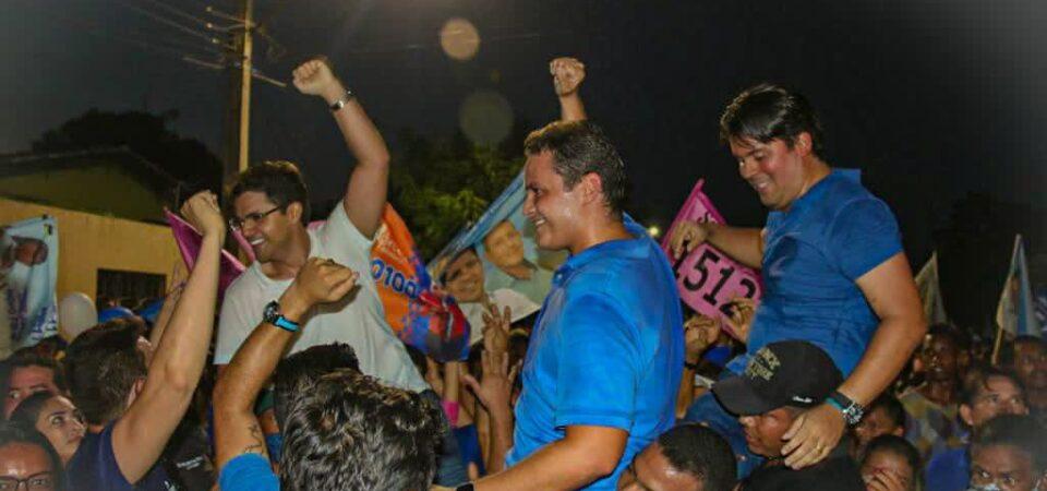 Onda Azul: Com o povo nas ruas, Bruno Silva lidera maior caminhada da história política de Coelho Neto