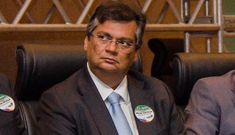 Cantor Romim Mata ironiza incentivo de Dino a aglomerações políticas