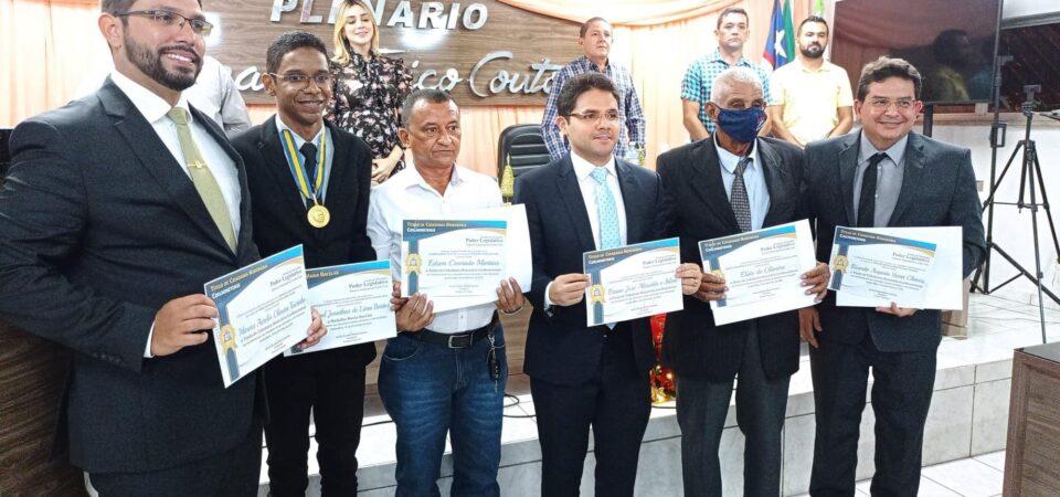Em noite concorrida, Câmara  realiza homenagens a personalidades de Coelho Neto